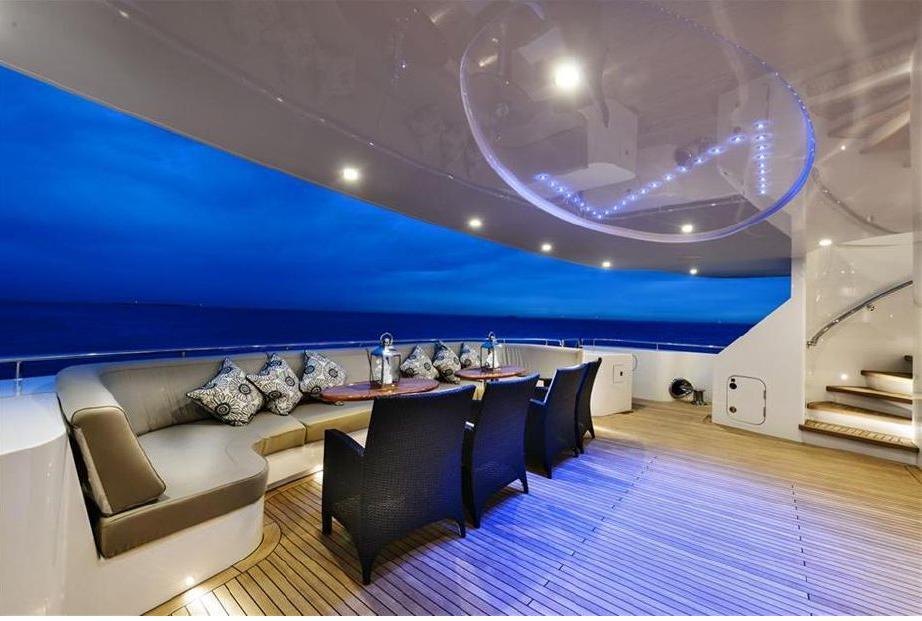 Catamaran Zenith by Sabre