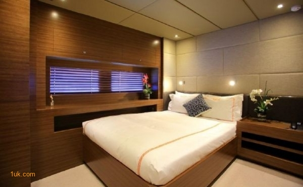Double bedroom on Cklass Nautique