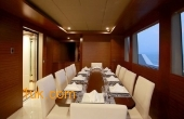 Dining table for friends and family on CKlass Nautique