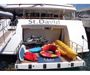 Yacht St David - Toys