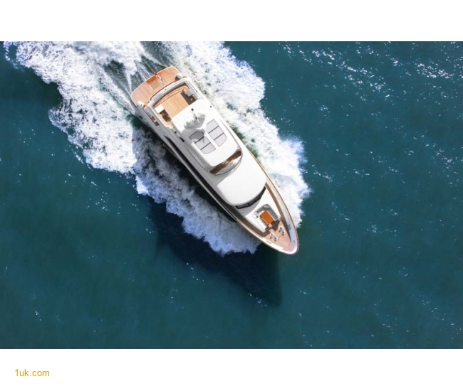 Yacht Firefly - Sea 2