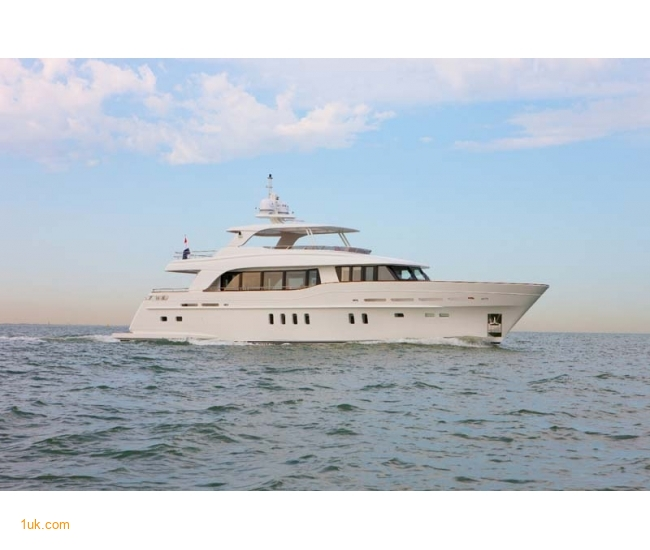 Yacht Firefly - Sea 4