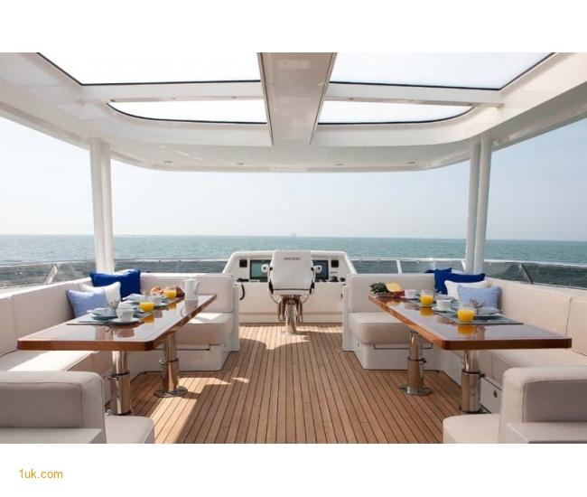 Yacht Firefly - Sundeck 1