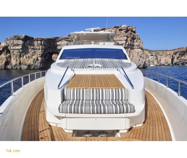 Yacht Sicilia - Bow