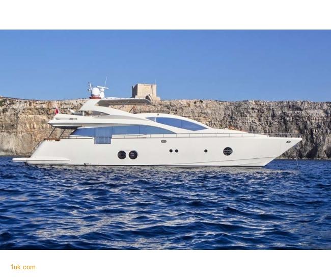 Yacht Sicilia - Side 1