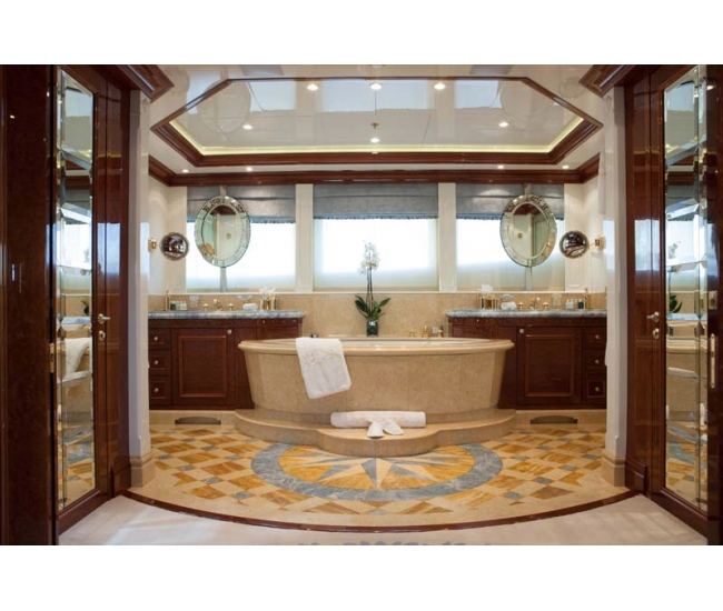 Yacht St David - Master bath