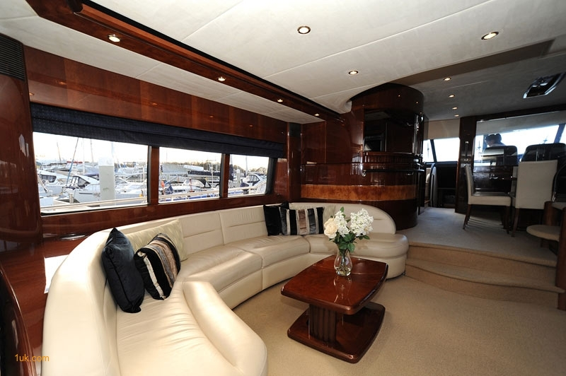 Charter a boat for a day in Southampton or Portsmouth