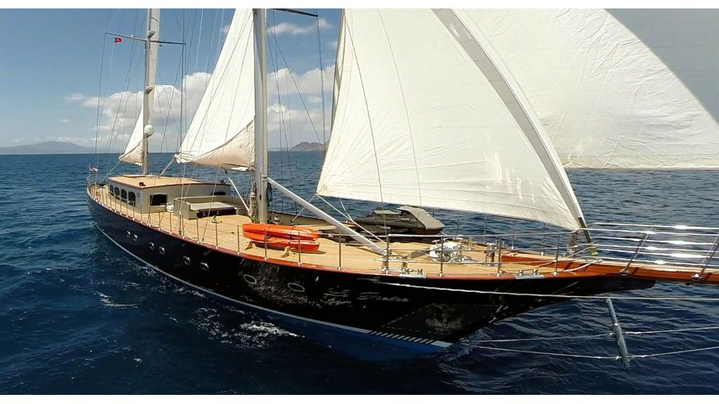le-pietre-luxury-4-cabins-yacht-master-1024-576
