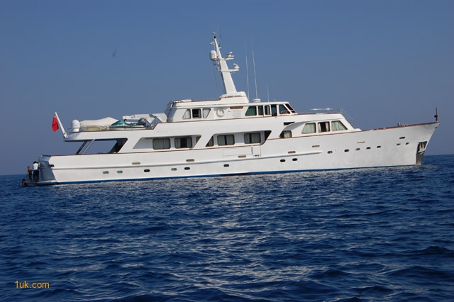 Super Luxury yachts for sale in Italy Roma | Hall Russel