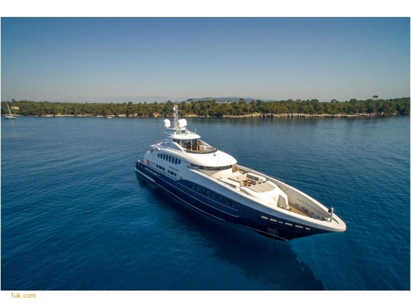 family holidays on superyachts