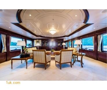 M/Y Mustique Superyacht main deck
