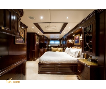 M/Y Mustique Superyacht stateroom