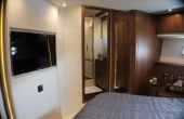 Sunseeker Manhattan 73 yacht bedroom