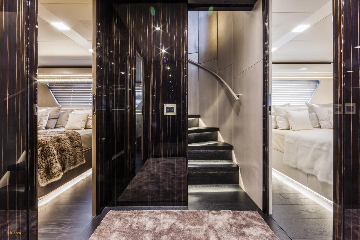 Yvonne - Motor Yacht luxury Charter