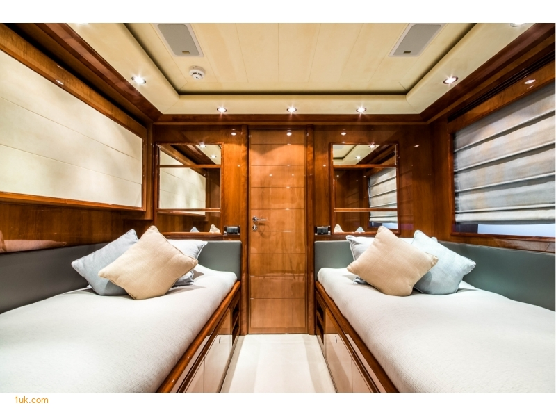 Twin cabin on the Queen of Sheba