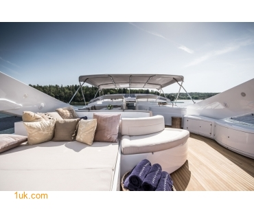Seating area on the top deck