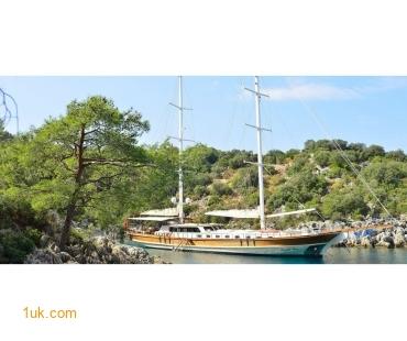 gulet-luca-del-mare-anchored-jpg-119933ed62e2c0401b2ade3f4b7
