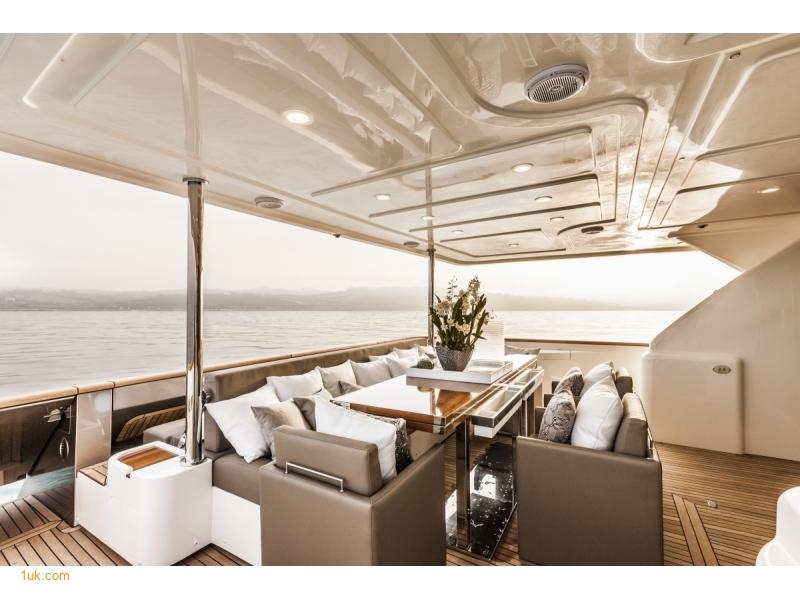 Yvonne - Motor Yacht Charter