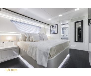 Yvonne - Motor Yacht Charter interior