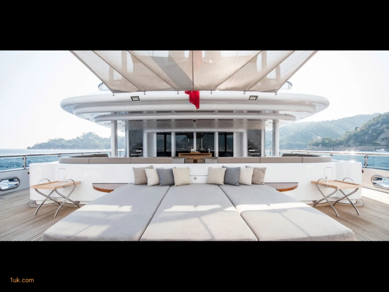 Expansive beach club  and large sun deck with Jacuzzi