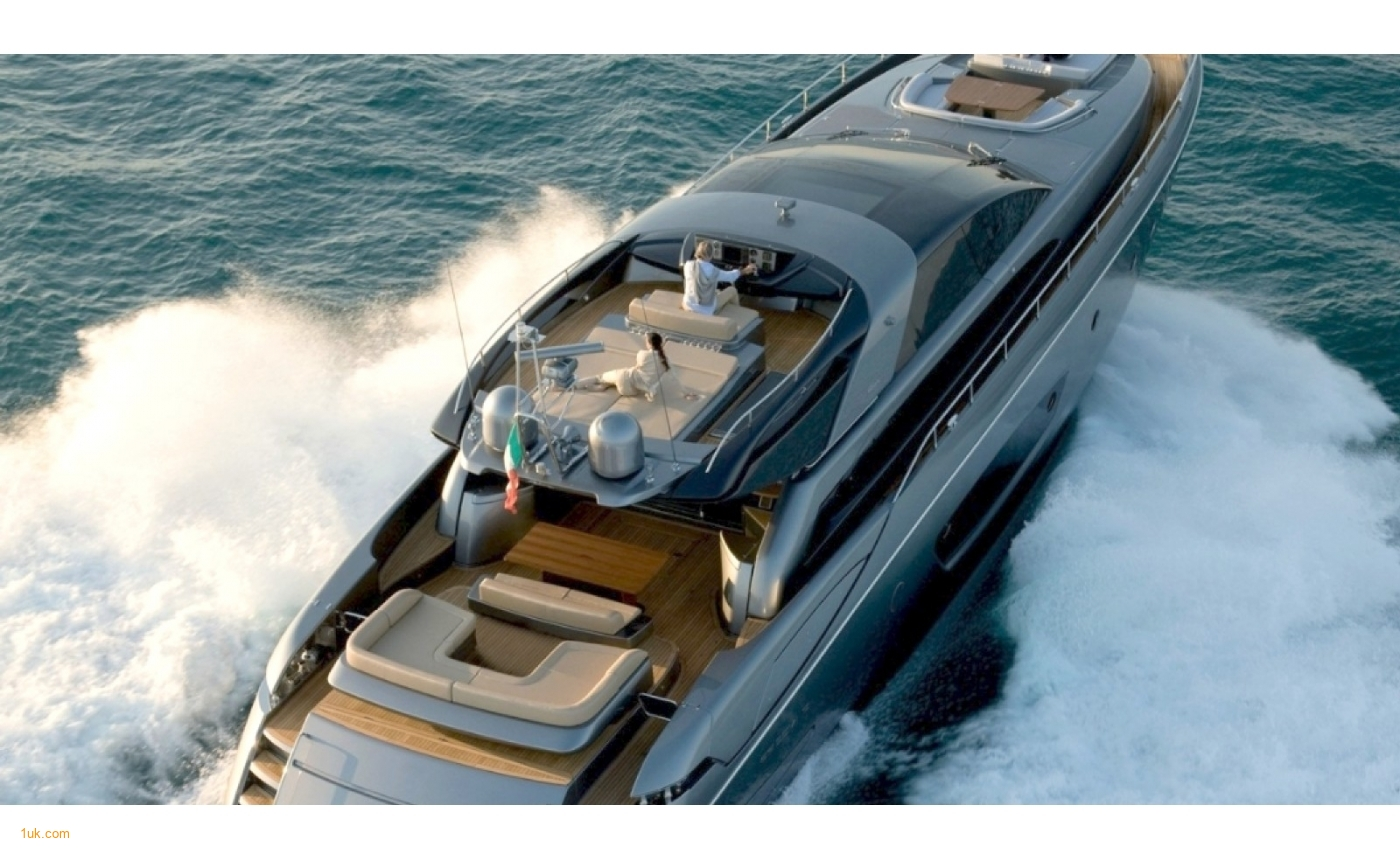 Riva Domino 86 cruising the waters of France