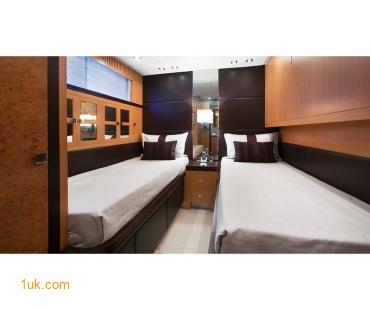 Dark wood twin bedrooms on the EOL B