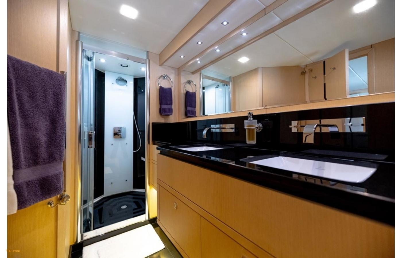 Luxury bathroom on the Full Circle 88'