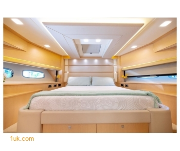 VIP V berth with double bed on Full Circle 88'