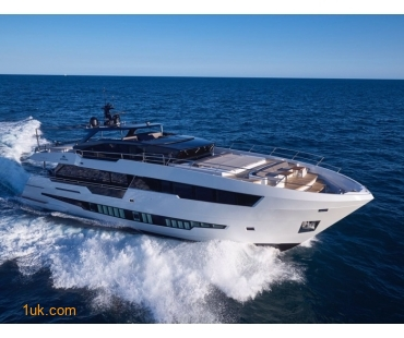 Astondoa GLX 82 cruising the waters of Ibiza