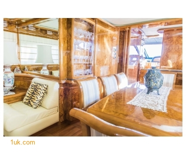 Spacious seating area on the Astondoa GLX 82 motoryacht