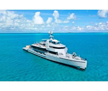 superyacht-bold-maldives-3