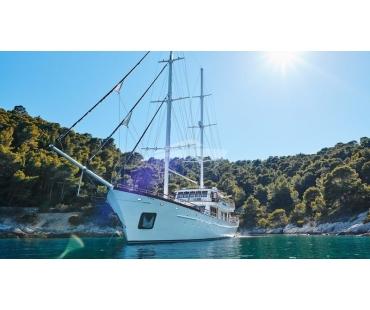 Corsario luxury yacht for sale