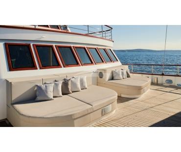 Beige highest standard of sun cushions