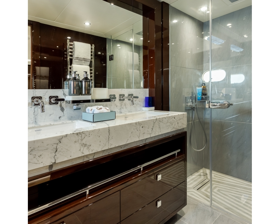 Luxurious bathroom with shower