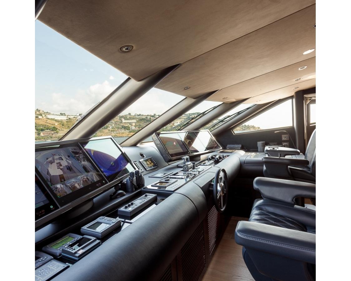 Cockpit inside of LAdy M