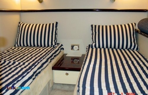 Twin cabin for your guests 51 Camargue
