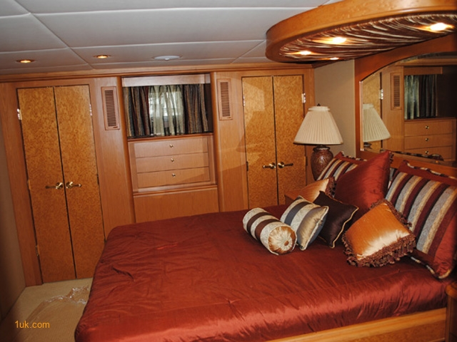 85' Breaux Bay Custom Motor Yacht