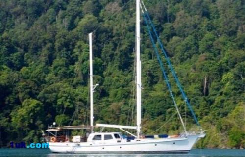 77' Custom Ketch Cruising Sailboat 1978