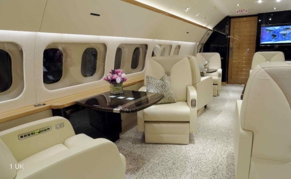 Exclusive-Aircraft-MD87-VIP---24-Seat---Stunning-009