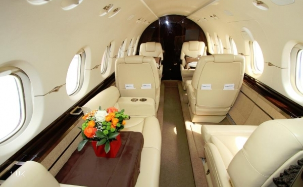 2011-Hawker-900XP-Specs-YR-NAY--HA-0182-010
