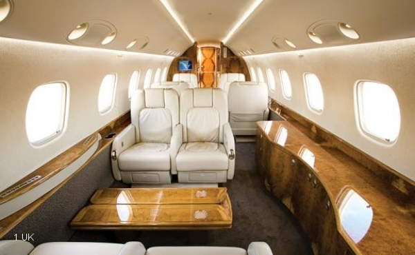 Legacy 600 for lease interior cabin