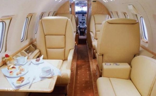 Jet-Hawker-800A-2