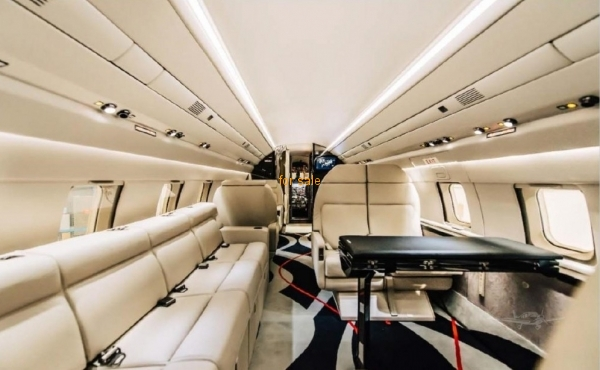 Challenger Business Jet